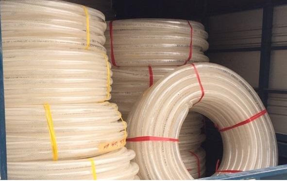 ống nhựa mềm trắng